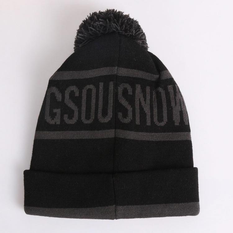 шапка для горнолыжного костюма фото