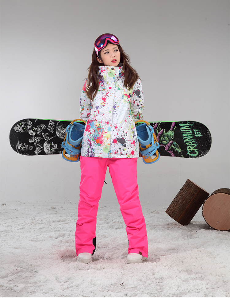 Зимняя дышащая женская горнолыжная куртка фото